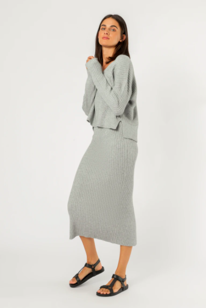 The Dylan Knit Skirt by Nude Lucy will be the saviour of your winter wardrobe. Crafted from a soft ribbed knit, this midi skirt features an elasticised waistband